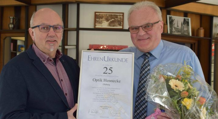 Optik Hennecke: Seit 25 Jahren in Bigge